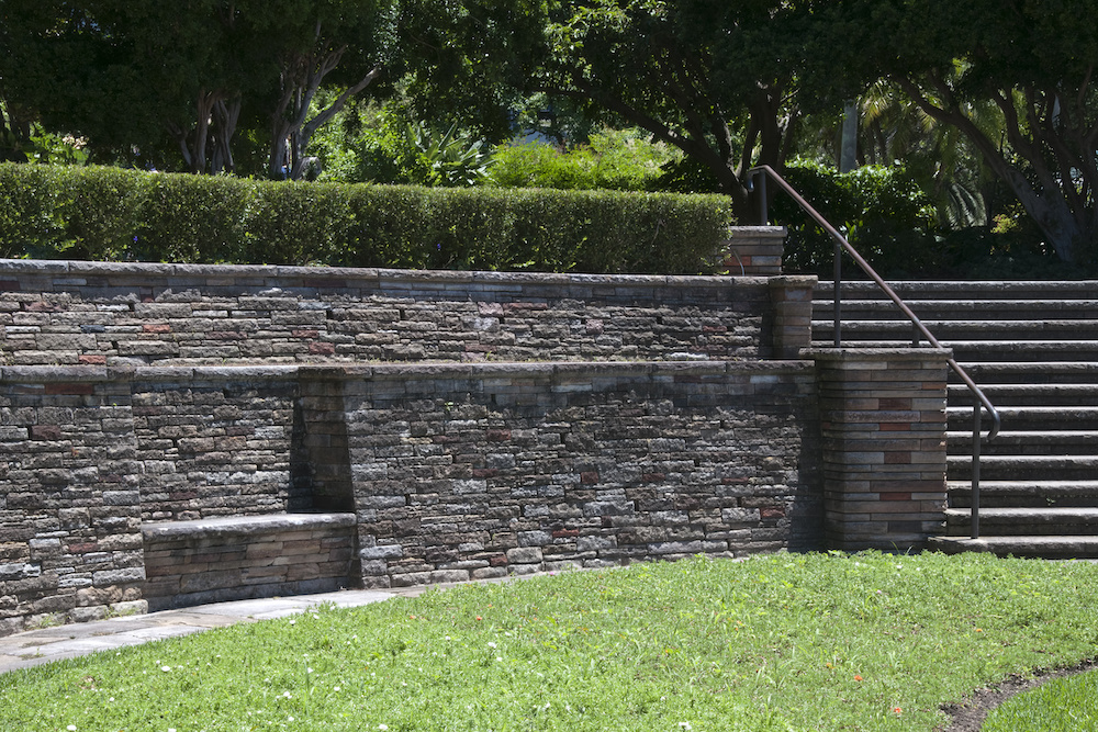 Why You Should Choose Precast Concrete for Your Retaining Wall